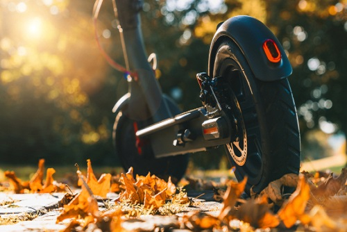Electric Scooter vs Petrol Scooter - Which One to Choose?