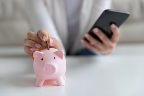 How Can Fullerton India Personal Loan App Help You During Cash Crunch?