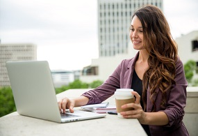 How Working Women Can Avail a Personal Loan in Few Steps?